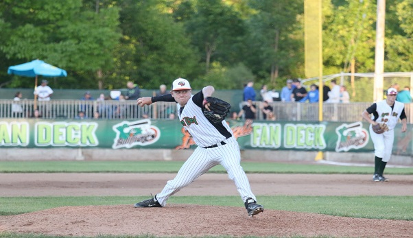 Green Bay Bullfrogs on the Mound