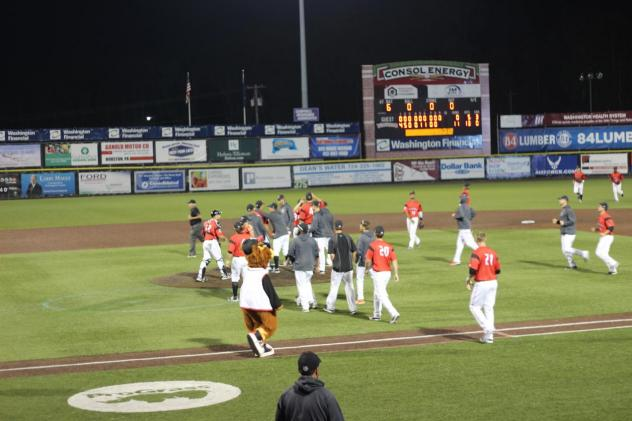 Washington Wild Things Celebrate Win