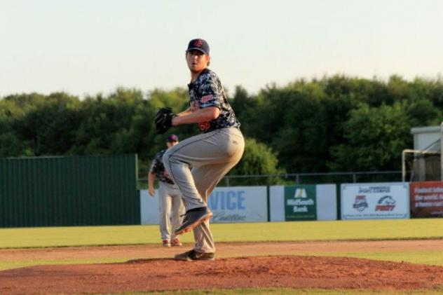 Acadiana Cane Cutters Pitching