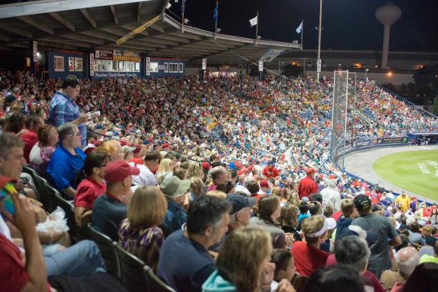 Record Reading Fightin Phils Crowd at FirstEnergy Stadium