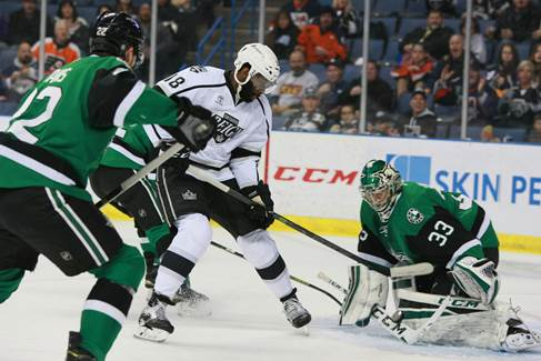 Ontario Reign LW Jordan Samuels-Thomas vs. the Texas Stars