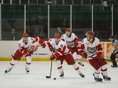 Port Huron Prowlers Control the Puck