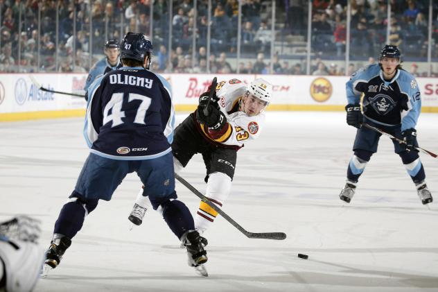 Chicago Wolves F Evan Trupp Shoots vs. the Milwaukee Admirals