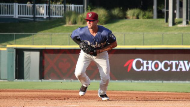 Cy Sneed Leads Hooks to 4-1 Win over Riders