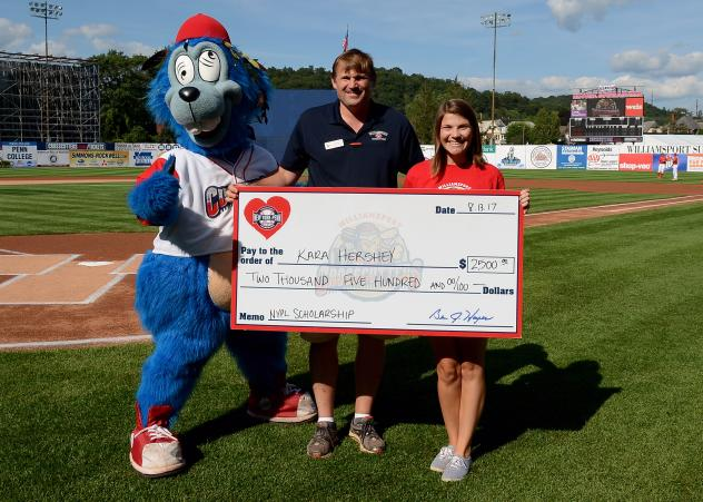 Nypl Awards Scholarship to Williamsport Student