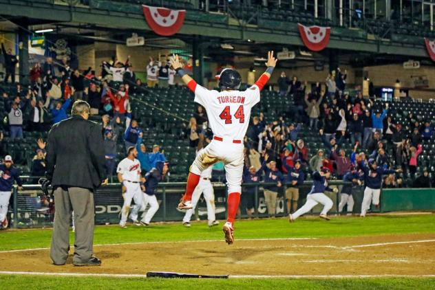 A Holiday Treat for Goldeyes Fans
