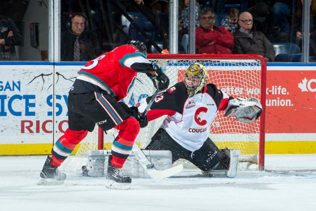 Kelowna Rockets pressure the Prince George Cougars
