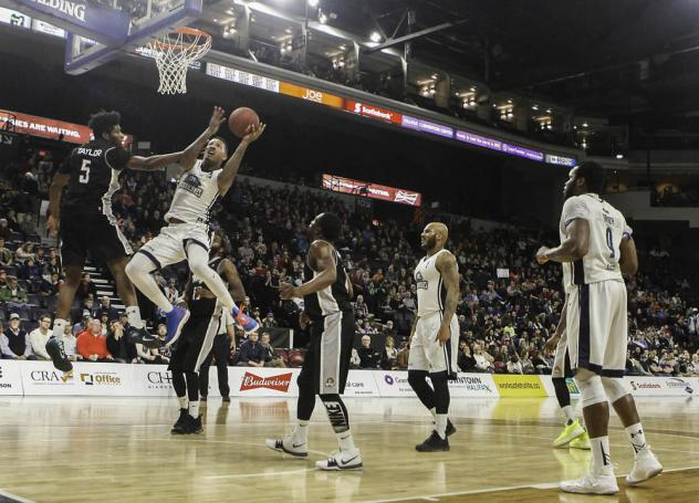 Halifax Hurricanes drive to the hoop vs. the Moncton Magic