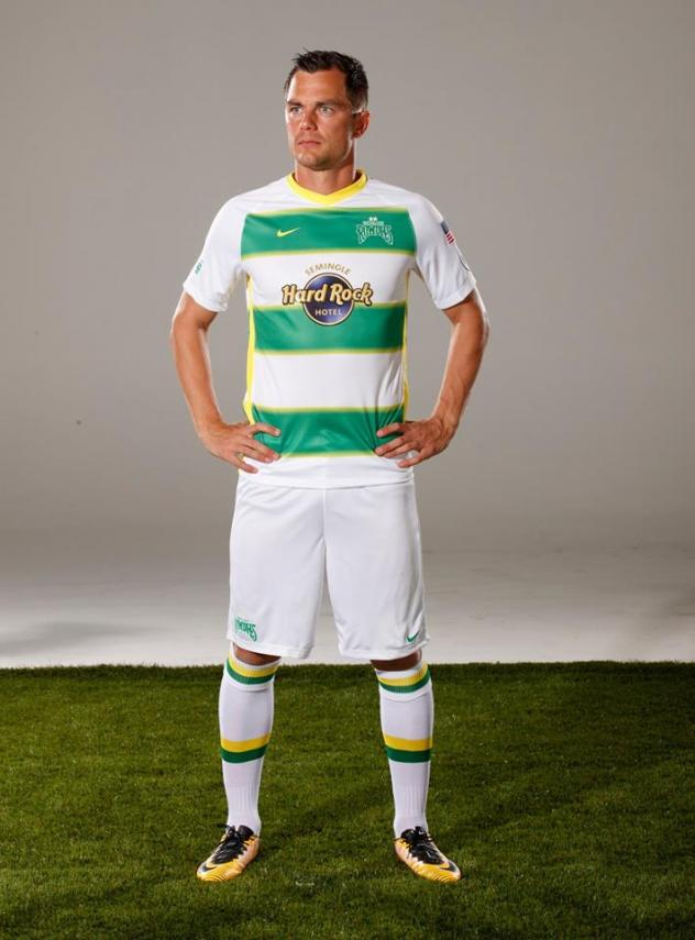 Tampa Bay Rowdies Full Secondary Kit