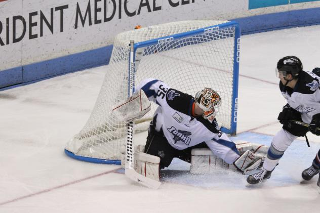 Idaho Steelheads Goaltender Tomas Sholl makes a save