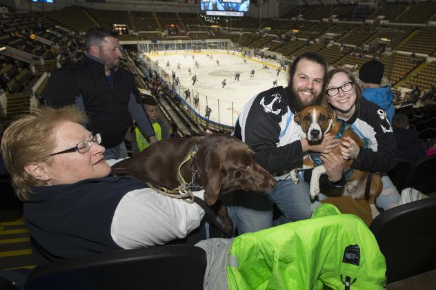 Milwaukee Admirals Purina Dog Day Afternoon