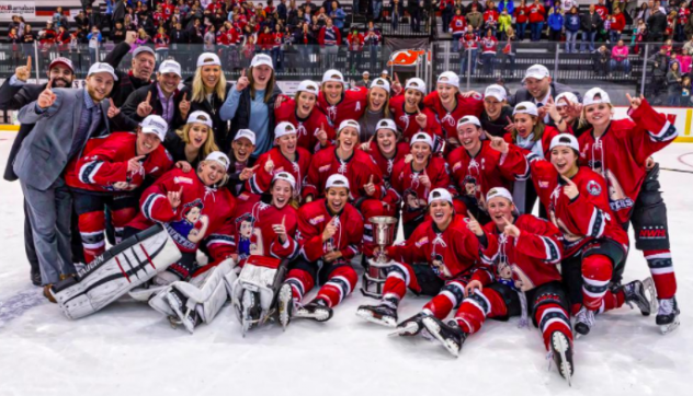 Metropolitan Riveters celebrate first Isobel Cup title