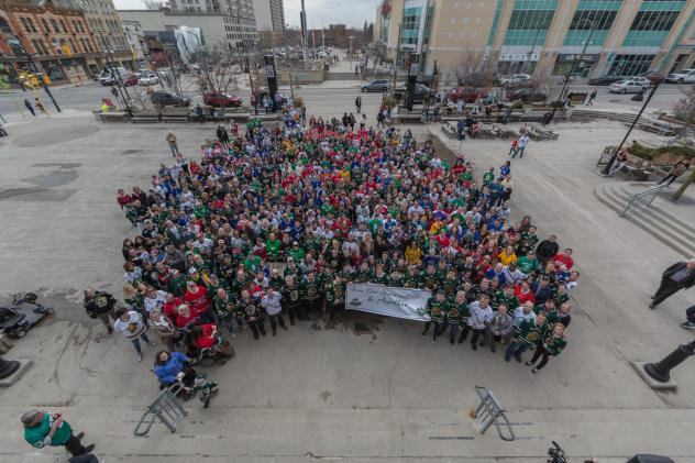 London Knights and the city of London show their support for the Humboldt Broncos