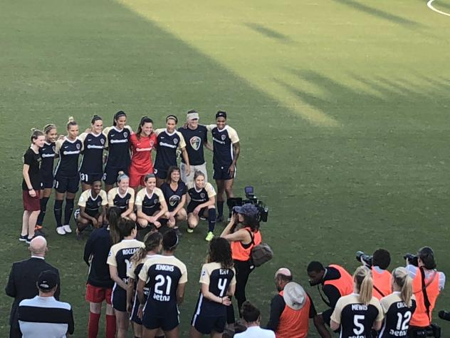 The North Carolina Courage pose for a photo