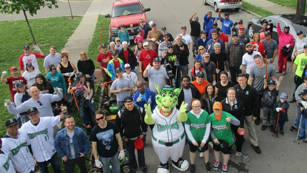Dayton Dragons at the Great American Cleanup