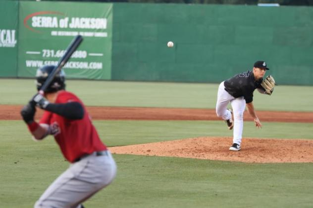 Jackson Generals pitcher Ryan Atkinson delivers against the Mobile BayBears