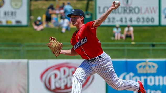 Lakewood BlueClaws pitcher David Parkinson delivers