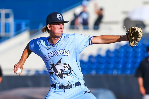 Victoria HarbourCats pitcher Mason Shaw