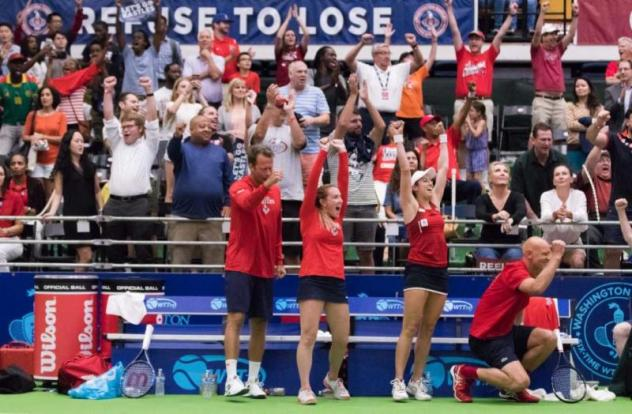 A competitive fifth set brought the Washington Kastles bench to its feet