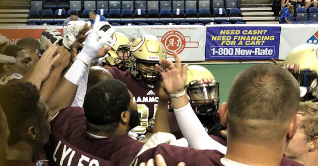 Maine Mammoths victory huddle