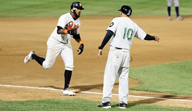 Jordany Valdespin rounds the bases for the Long Island Ducks
