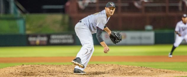 Kansas City T-Bones' RHP Tommy Collier