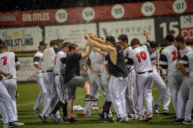 Washington Wild Things celebrate a Championship berth