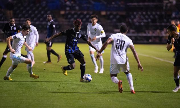 Colorado Springs Switchbacks FC dribble through the Sounders FC 2 defense
