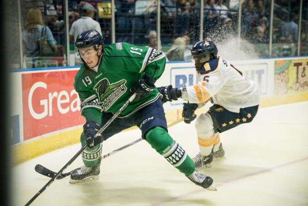 Florida Everblades forward Kyle Platzer chases a puck into the corner vs. the Norfolk Admirals