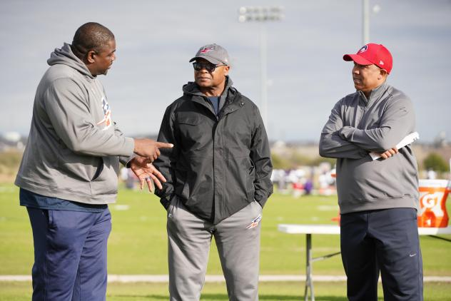 Pepper Johnson, Mike Singletary and Hines Ward at Memphis Express practice