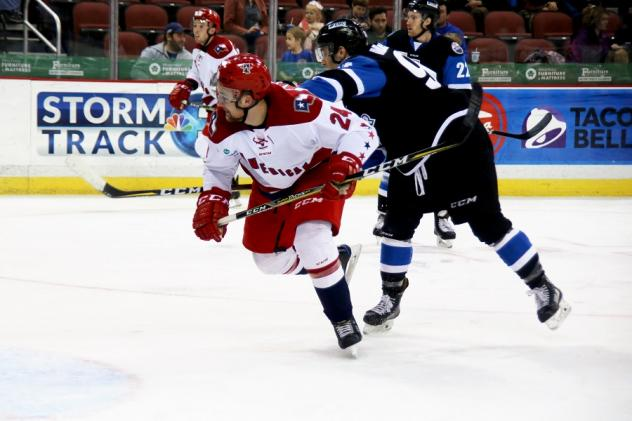 Mitch Maloney of the Allen Americans breaks free against the Wichita Thunder