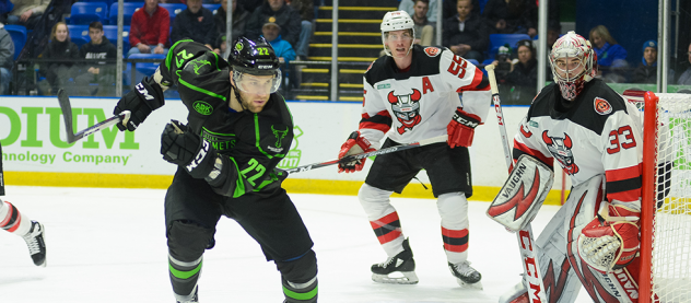 Binghamton Devils defend against the Utica Comets