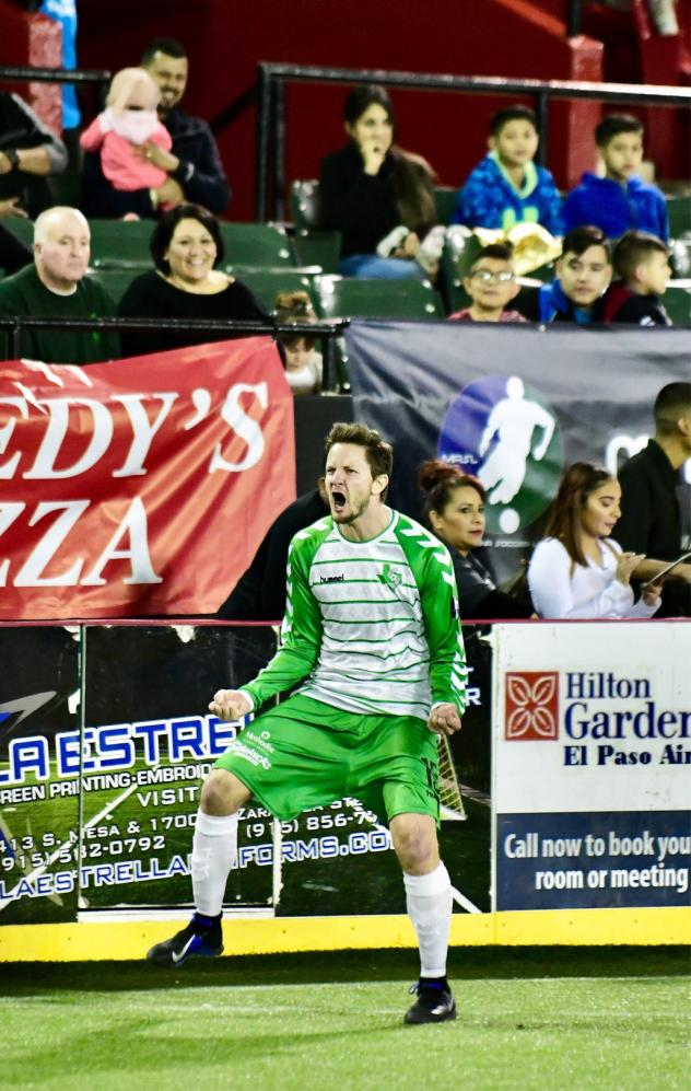Dallas Sidekicks celebrate a goal at El Paso