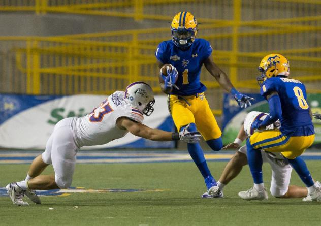 Wide receiver Kent Shelby with McNeese State