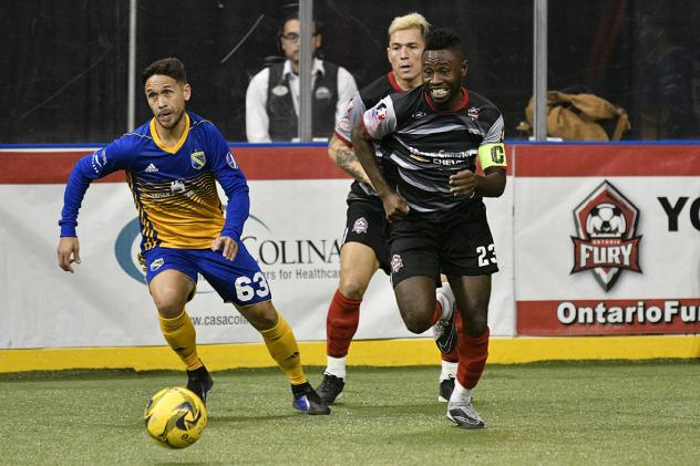 Ontario Fury defender Israel Sesay (right) vs. San Diego Sockers midfielder Hiram Ruiz