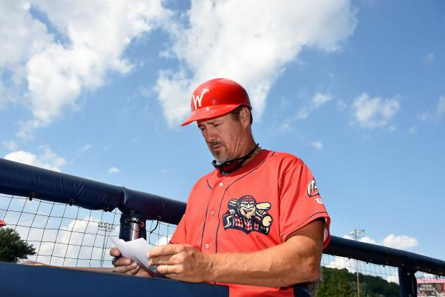 Williamsport Crosscutters manager Pat Borders