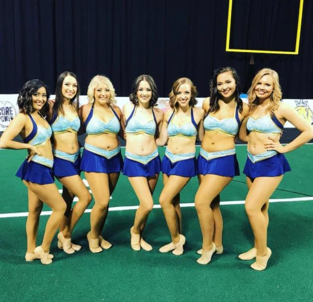Cedar Rapids River Kings cheer team