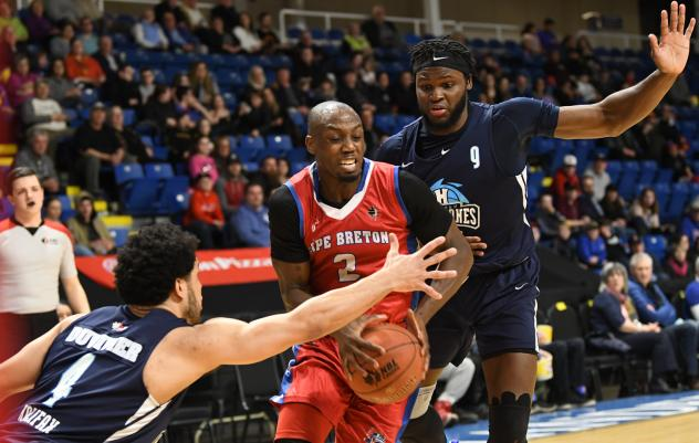 Halifax Hurricanes defend against the Cape Breton Highlanders