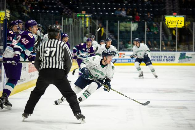 Florida Everblades forward Blake Winiecki vs. the Orlando Solar Bears