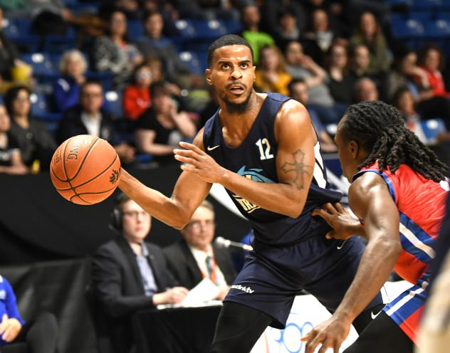 Halifax Hurricanes guard Cliff Clinkscales eyes his options against the Cape Breton Highlanders