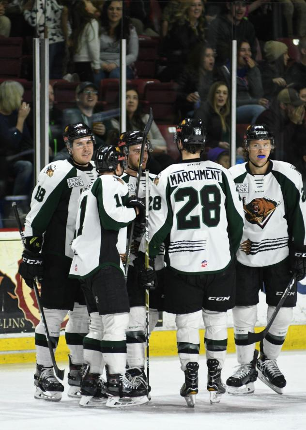 Utah Grizzlies huddle up after a goal
