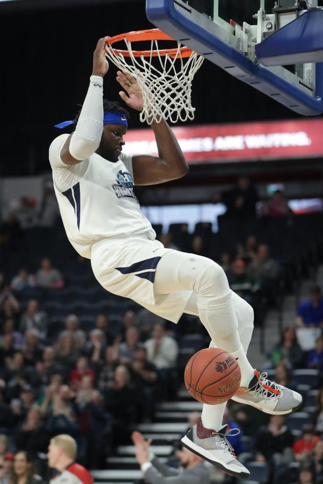 Halifax Hurricanes finish off a dunk against the Moncton Magic