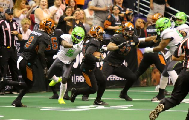 Arizona Rattlers running in traffic against the Nebraska Danger