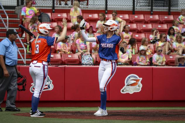 Brenna Moss (right) and Emily Crane of the Chicago Bandits