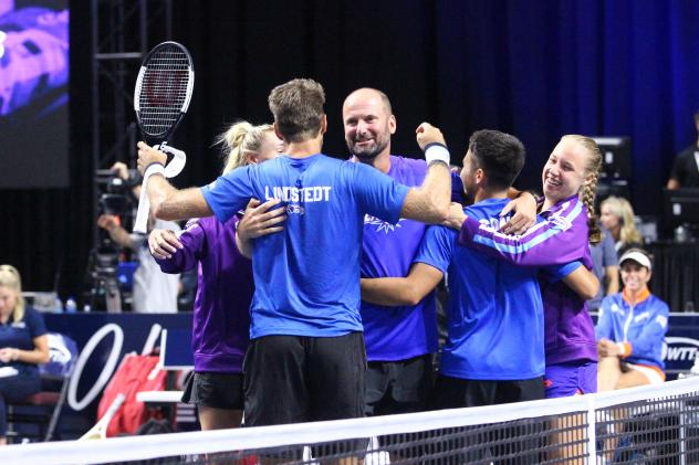 Springfield Lasers celebrate the WTT title