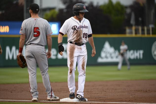 Jaycob Brugman of the Tacoma Rainiers on base