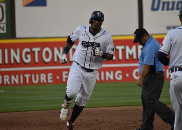 Jimmy Paredes of the Somerset Patriots circles the bases