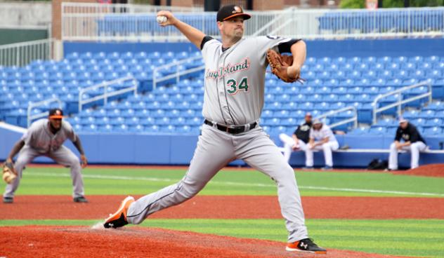 Long Island Ducks pitcher Vin Mazzaro