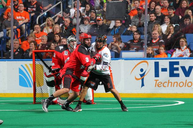 Buffalo Bandits forward Jerome Thompson (right)