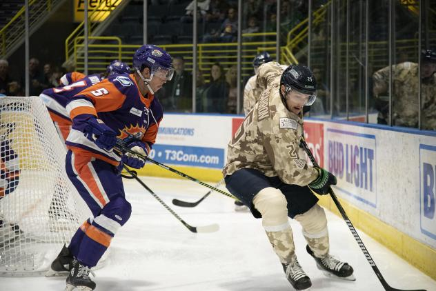 John McCarron of the Florida Everblades vs. the Orlando Solar Bears